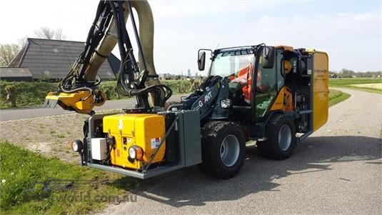 2017 Giant V6004T - Truckworld.com.au - Heavy Machinery for Sale