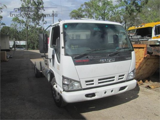 2007 Isuzu NQR - Trucks for Sale