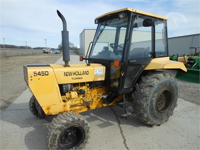 NEW HOLLAND Tractors Auction Results - 826 Listings