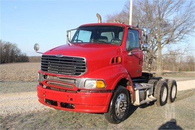 STERLING AT9500 Conventional Day Cab Trucks Auction Results - 263