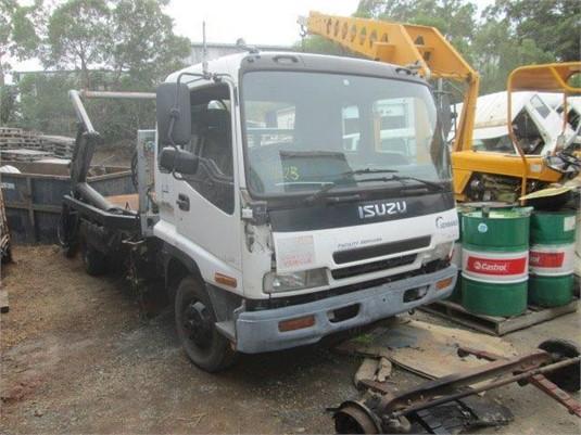 2001 Isuzu FRR - Wrecking for Sale