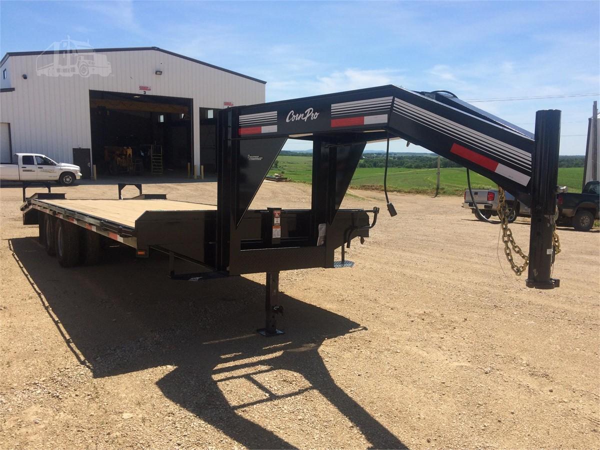 2017 CORN PRO 20+5 For Sale In Dodgeville, Wisconsin | www.requipment.biz