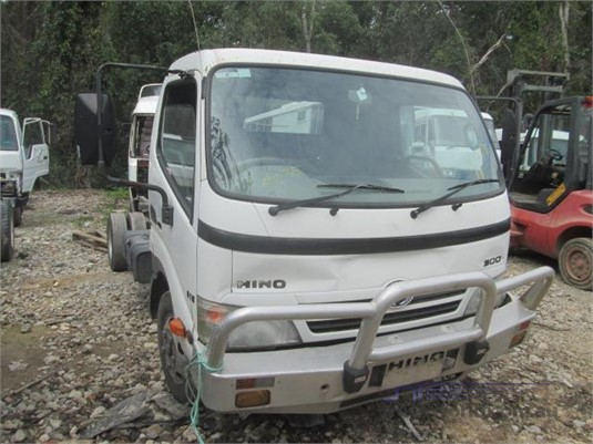 2008 Hino Dutro 125ST - Wrecking for Sale