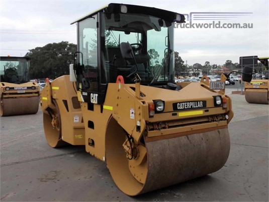 2012 Caterpillar CB-534D Heavy Machinery for Sale