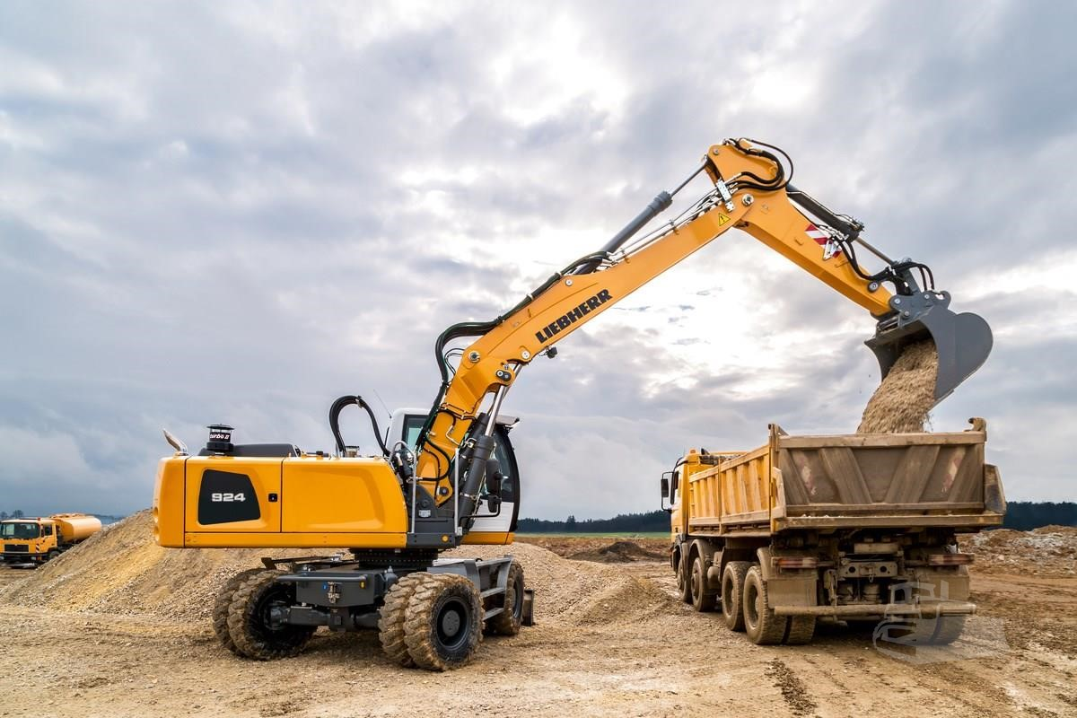 www amstate com | For Sale 2018 LIEBHERR A924 LITRONIC