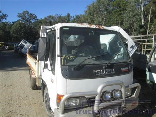 2004 Isuzu NKR - Wrecking for Sale
