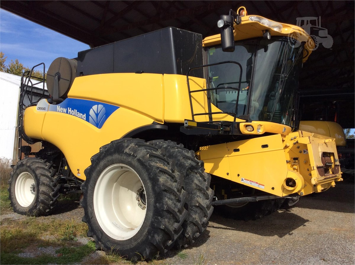 2011 NEW HOLLAND CR9040 For Sale In Albion, Illinois