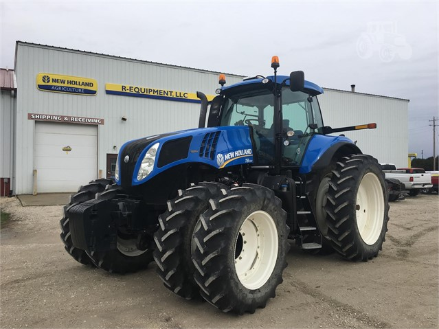 2013 NEW HOLLAND T8 300 For Sale In Utica, Illinois | www