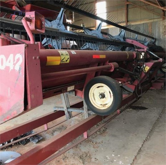 1999 Case Ih 1042 - Farm Machinery for Sale