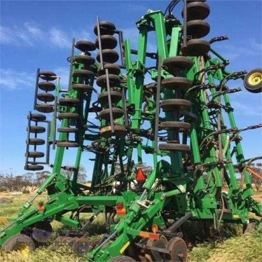 0 John Deere 1830 - Farm Machinery for Sale