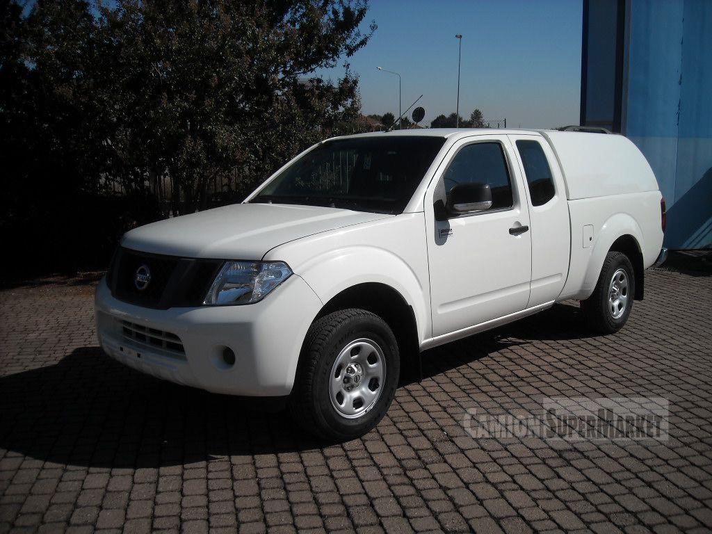 Nissan NAVARA Usato 2013
