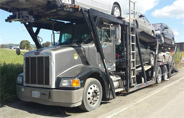 2001 PETERBILT 385 For Sale In Bakersfield, California