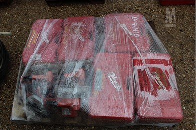 PALLET OF BATTERY OPERATED DRILLS & SAWS Other Auction