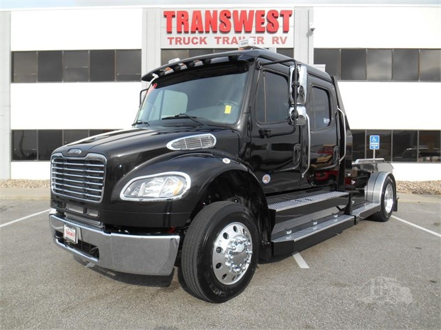 2020 FREIGHTLINER BUSINESS CLASS M2 106 For Sale In Belton