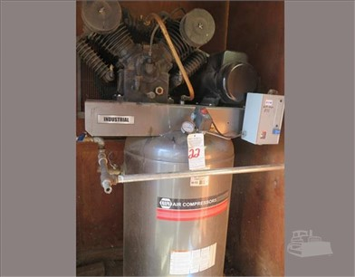 NAPA AIR COMPRESSOR Auction Results - 2 Listings