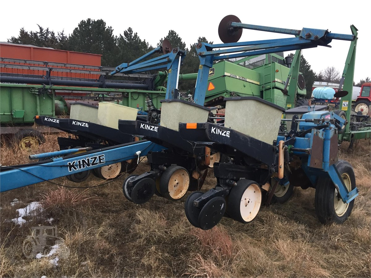 Kinze Ef For Sale In Norfolk Nebraska Www Usedagmachines Com