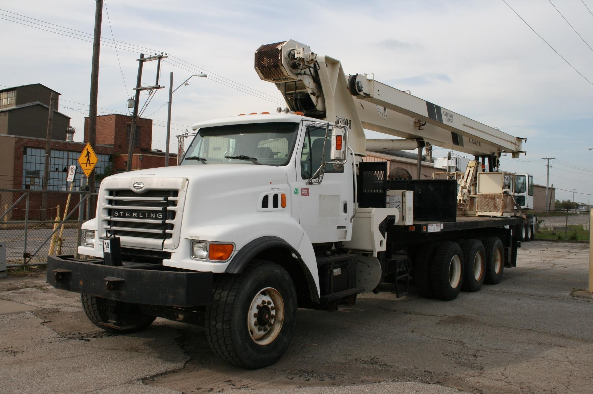2003 NATIONAL 14127H MOUNTED ON 2003 STERLING LT9500 For Sale in Kansas  City, Missouri