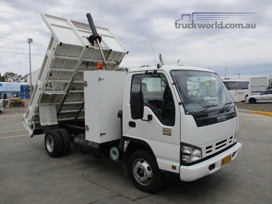 2007 Isuzu NPR 300 Medium Poyser Trucks - Trucks for Sale