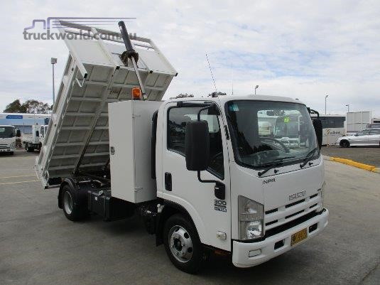 2008 Isuzu NPR 300 Medium Poyser Trucks - Trucks for Sale