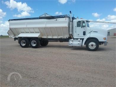 FREIGHTLINER Farm Trucks / Grain Trucks Auction Results - 32