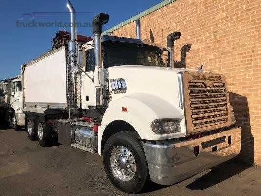 2013 Mack Superliner CLX - Truckworld.com.au - Trucks for Sale