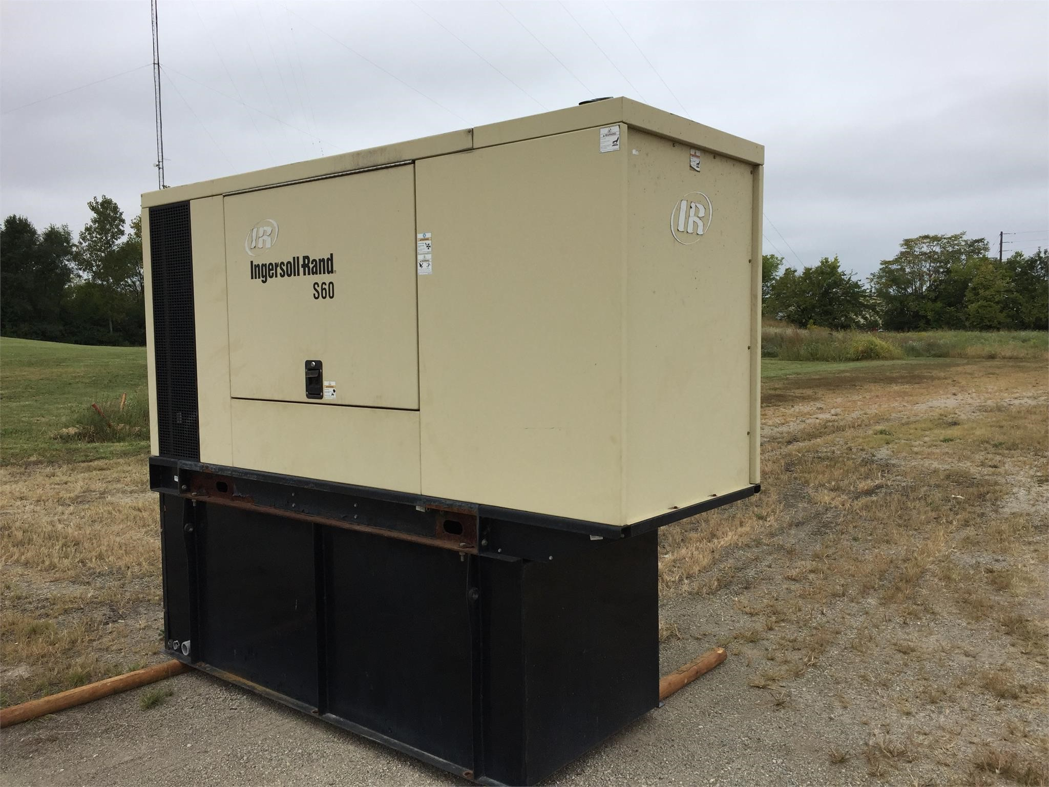2005 INGERSOLL-RAND S60 For Sale in Springfield, Illinois