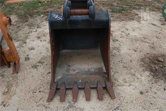KUBOTA KX080 Bucket, Trenching