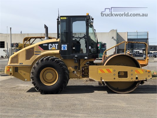 2013 Caterpillar CP56 - Heavy Machinery for Sale