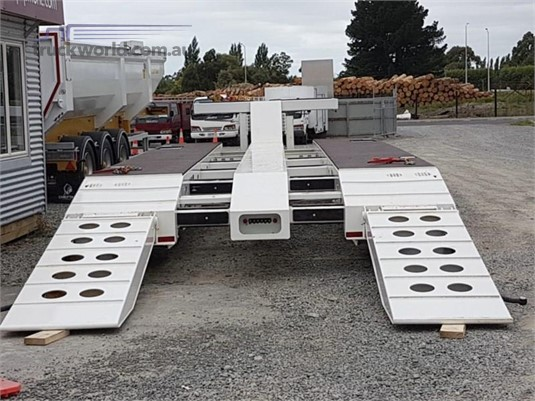 2019 Chieftain 3 Rows of 4 Widener - Trailers for Sale