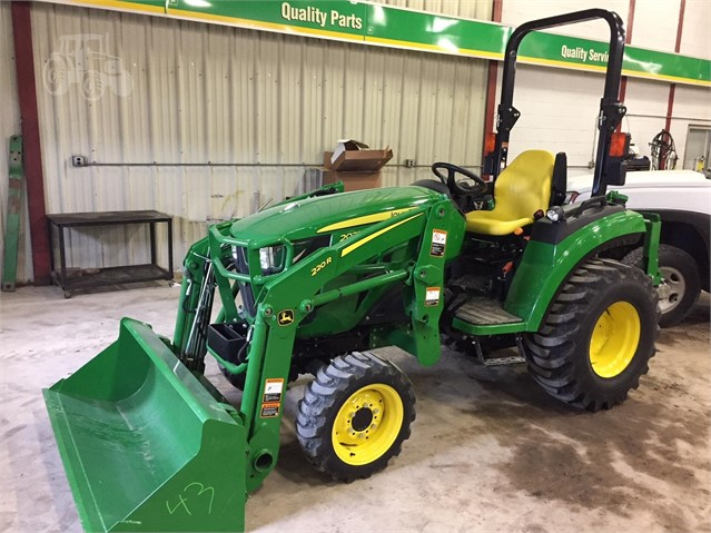 2017 JOHN DEERE 2032R For Sale In Truman, Minnesota