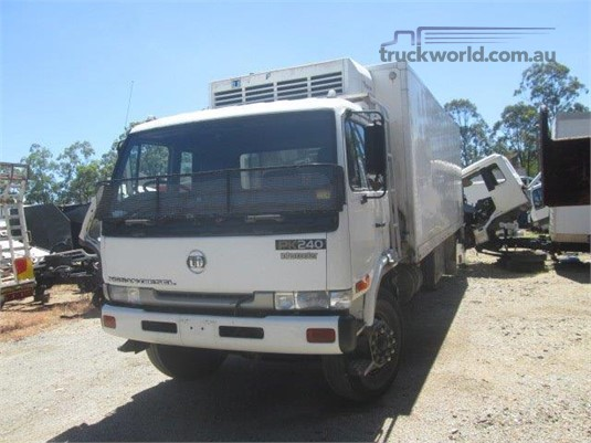 1997 UD PK240 - Wrecking for Sale