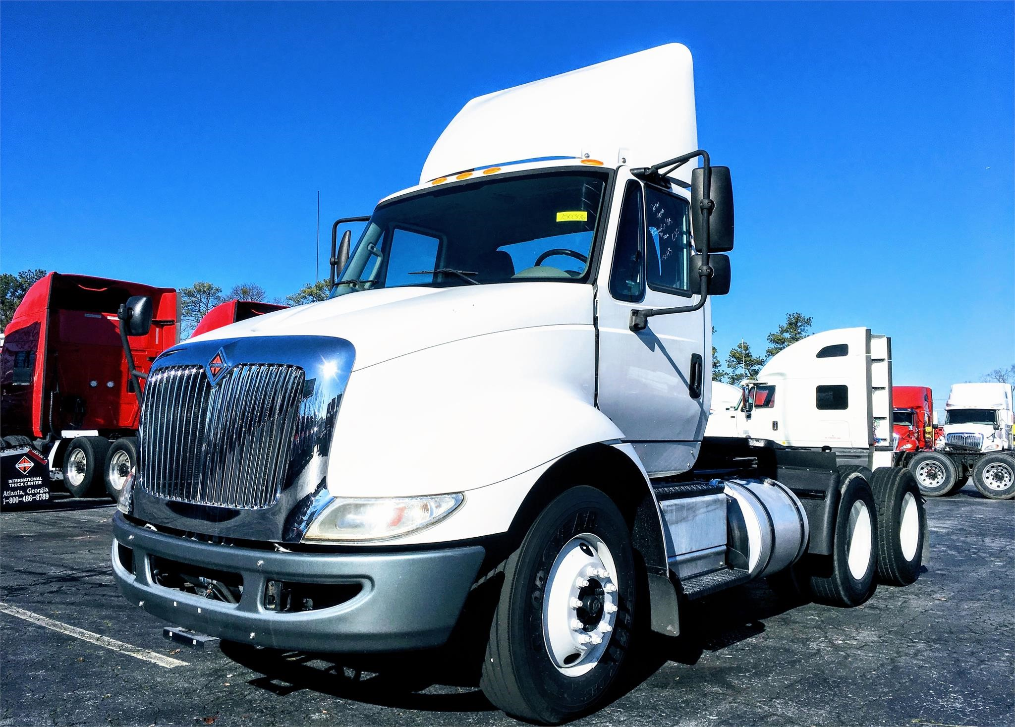 Pre-Owned 2015 International 8600 SBA 6X4 Day Cab