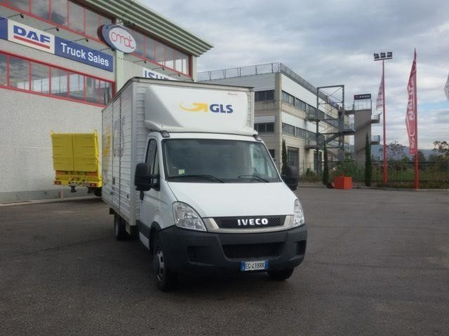 Iveco DAILY 35S21 Usagé