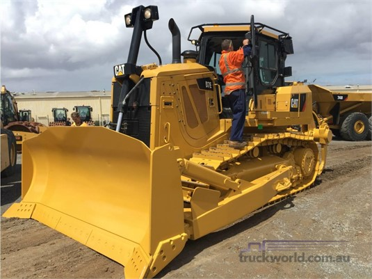 2013 Caterpillar D7E Heavy Machinery for Sale