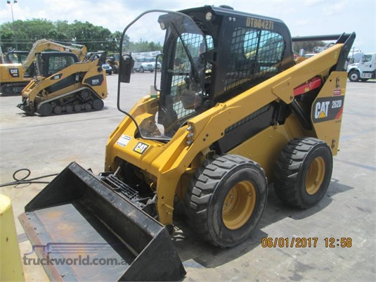 2015 Caterpillar 262D Heavy Machinery for Sale