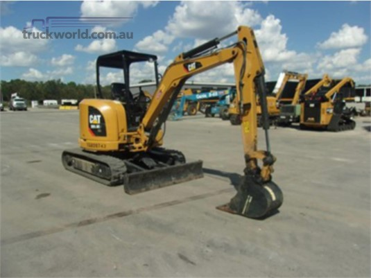 2015 Caterpillar 303.5E2 CR Heavy Machinery for Sale