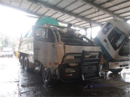 2008 UD GW470 - Trucks for Sale