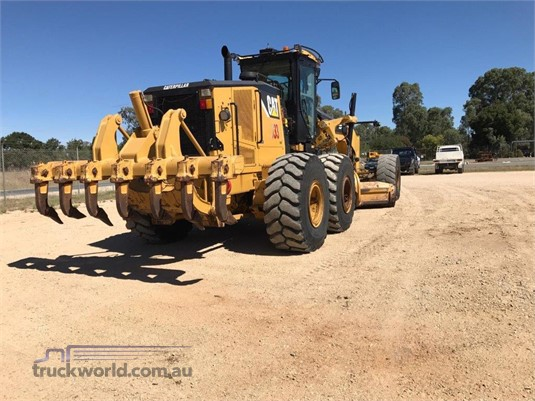 2013 Caterpillar 16M Heavy Machinery for Sale