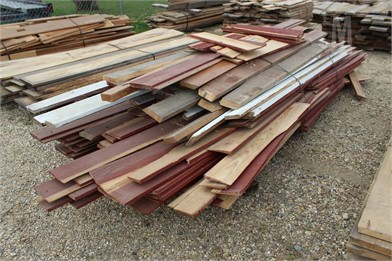 BUNDLE OF MISC PINE BOARDS Other Auction Results - 10
