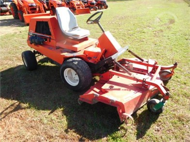 JACOBSEN Riding Lawn Mowers Auction Results - 32 Listings