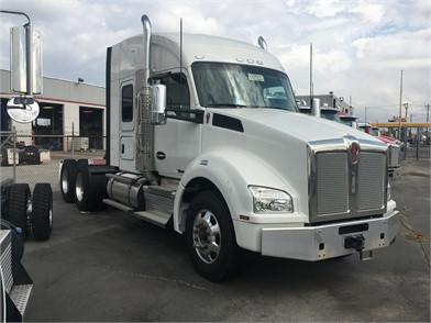 KENWORTH T880 Conventional Trucks W/ Sleeper For Sale By