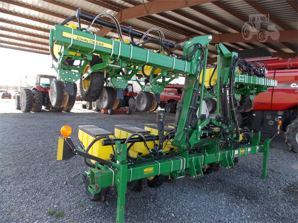 2015 John Deere 1725 For Sale In Stuttgart Arkansas Www
