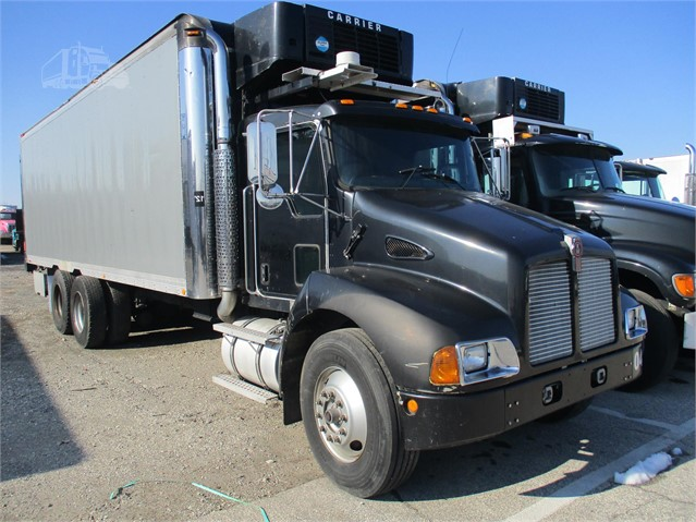 2004 KENWORTH T300 For Sale In CONSHOHOCKEN, Pennsylvania | www