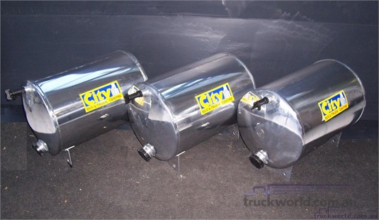 Accessories & Truck Parts Water Tanks - Parts & Accessories for Sale