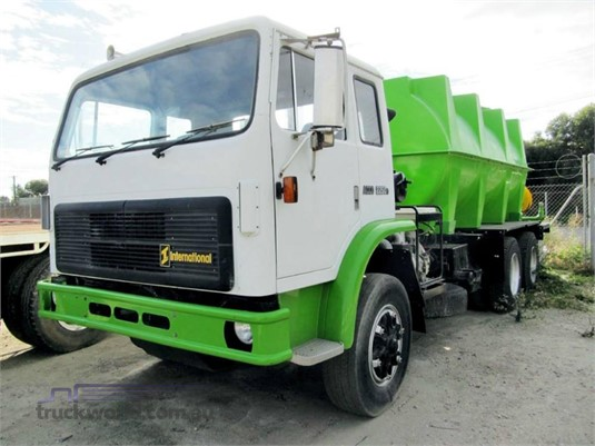 International Acco 2250D - Trucks for Sale