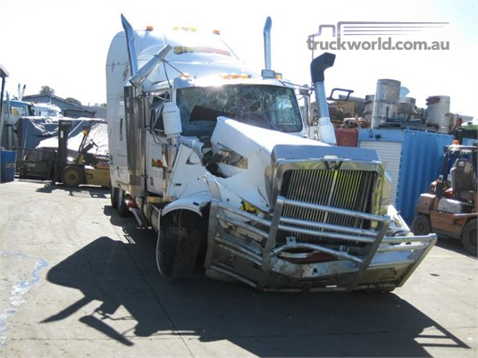 2002 Western Star FXC4964 Constellation - Wrecking for Sale