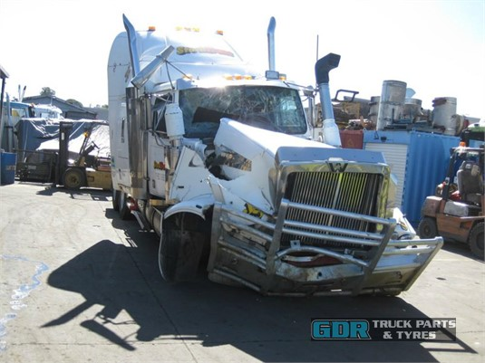 2002 Western Star FXC4964 Constellation GDR Truck Parts - Wrecking for Sale