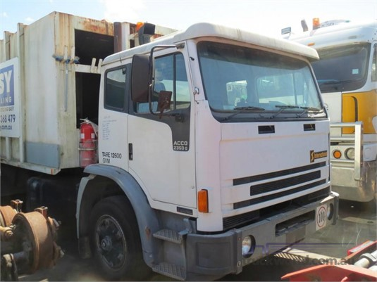 1997 International Acco 2350G - Wrecking for Sale