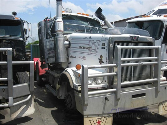 2003 Western Star 4900FX - Wrecking for Sale