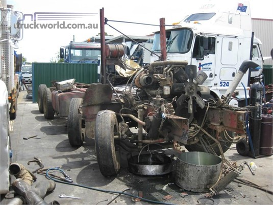 1990 International T 2670 - Wrecking for Sale